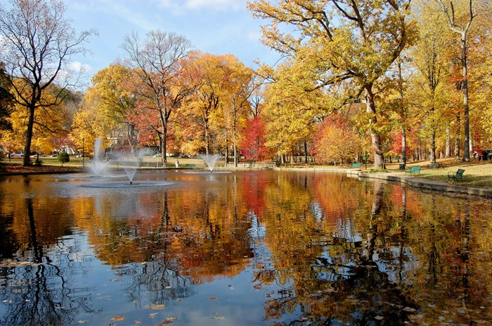 Picture of Central Park in Ashland in the fall.